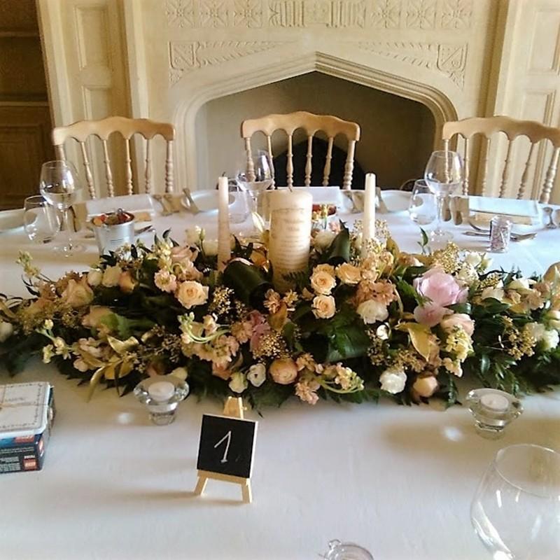 Table Arrangement Style 9